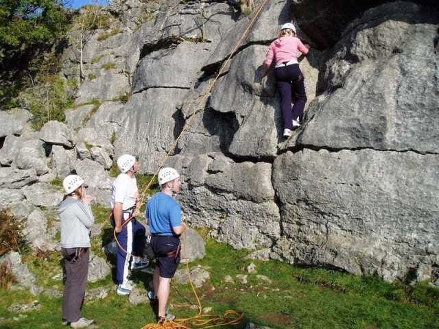 Group single pitch climbing - climbing taster session