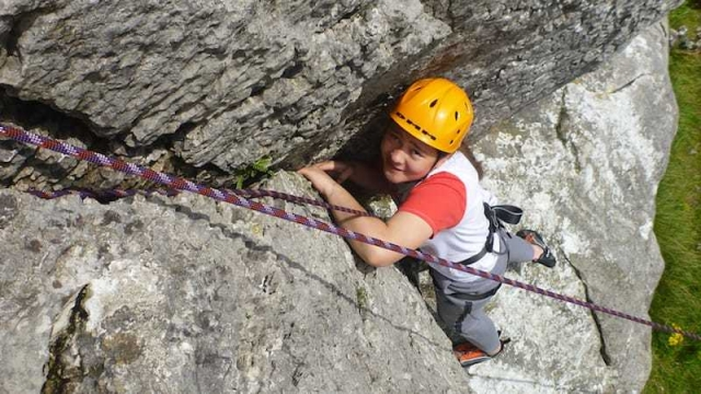 Top rope climbing-climbing at Hutton roof
