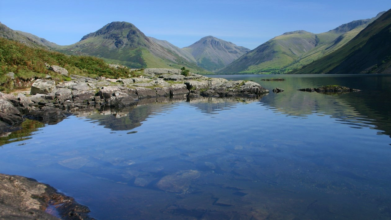 a wonderful landscape of lakes and mountains in the Lake District